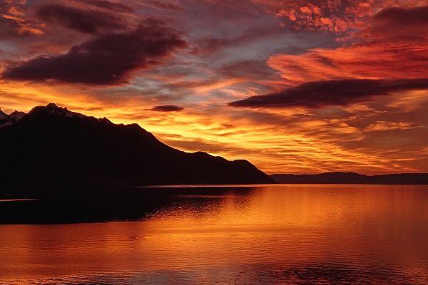 Lake Geneva - beautiful Lakes to visit in Switzerland