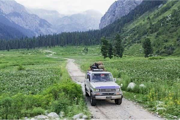 Jeep safari Himachal Pradesh